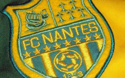 Pourquoi le FC Nantes joue en jaune et vert ?